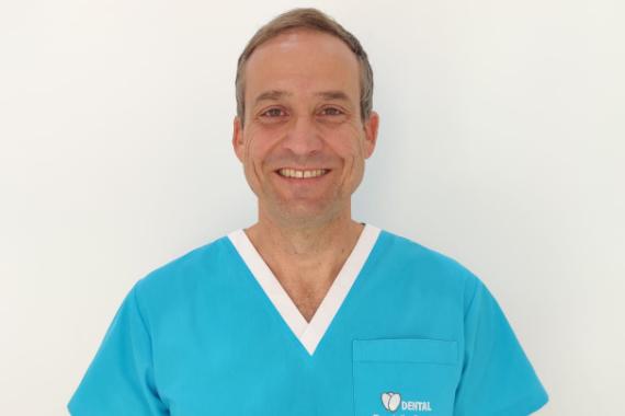 Dr. Julio Santos Estrada